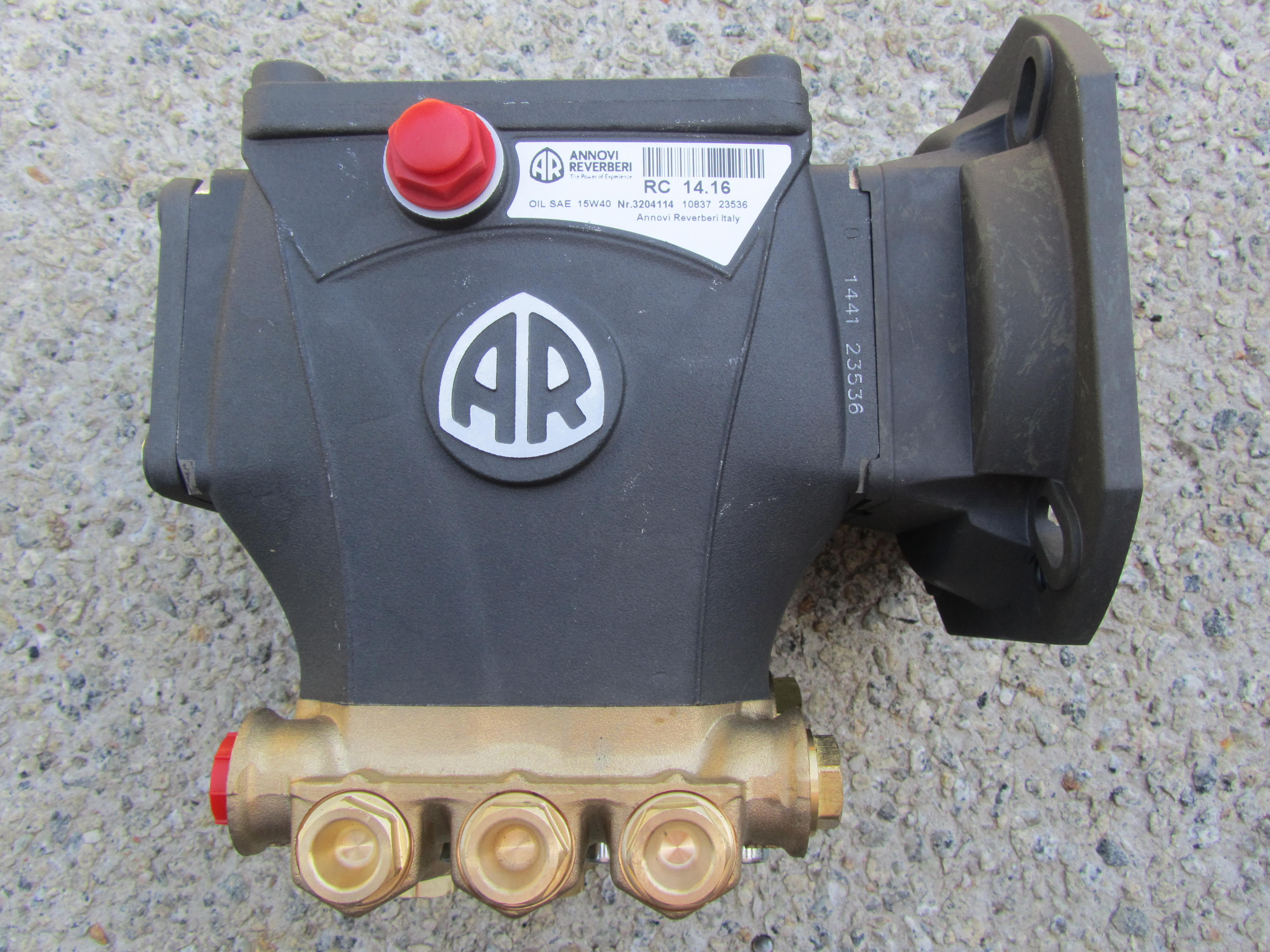 Annovi reverberi 2300psi pump 14 lpm suits 4kw 3 phase for Pressure washer pump electric motor