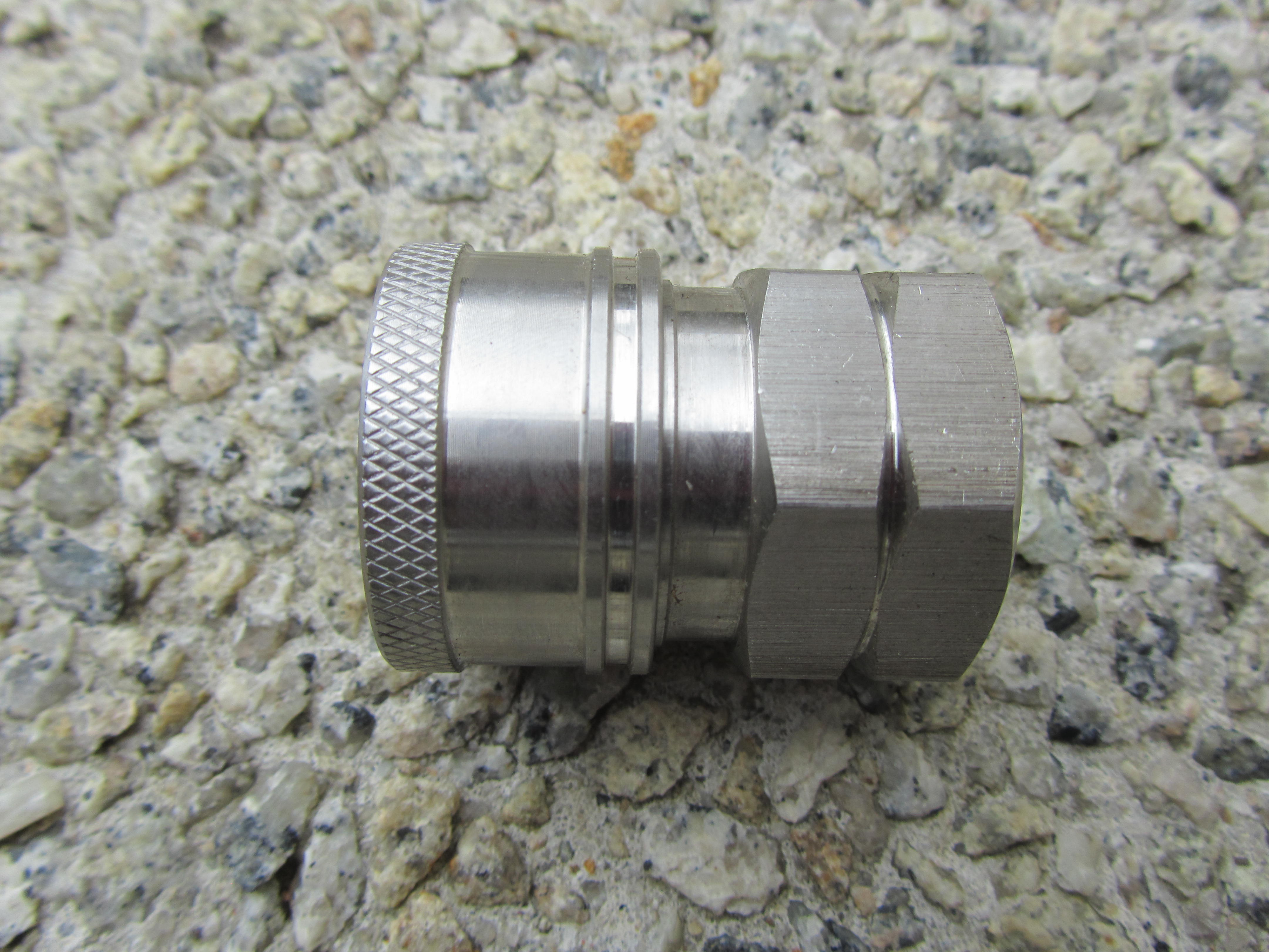 3|8 NPT F - 3|8 F Stainless Steel QC Coupler 5000psi