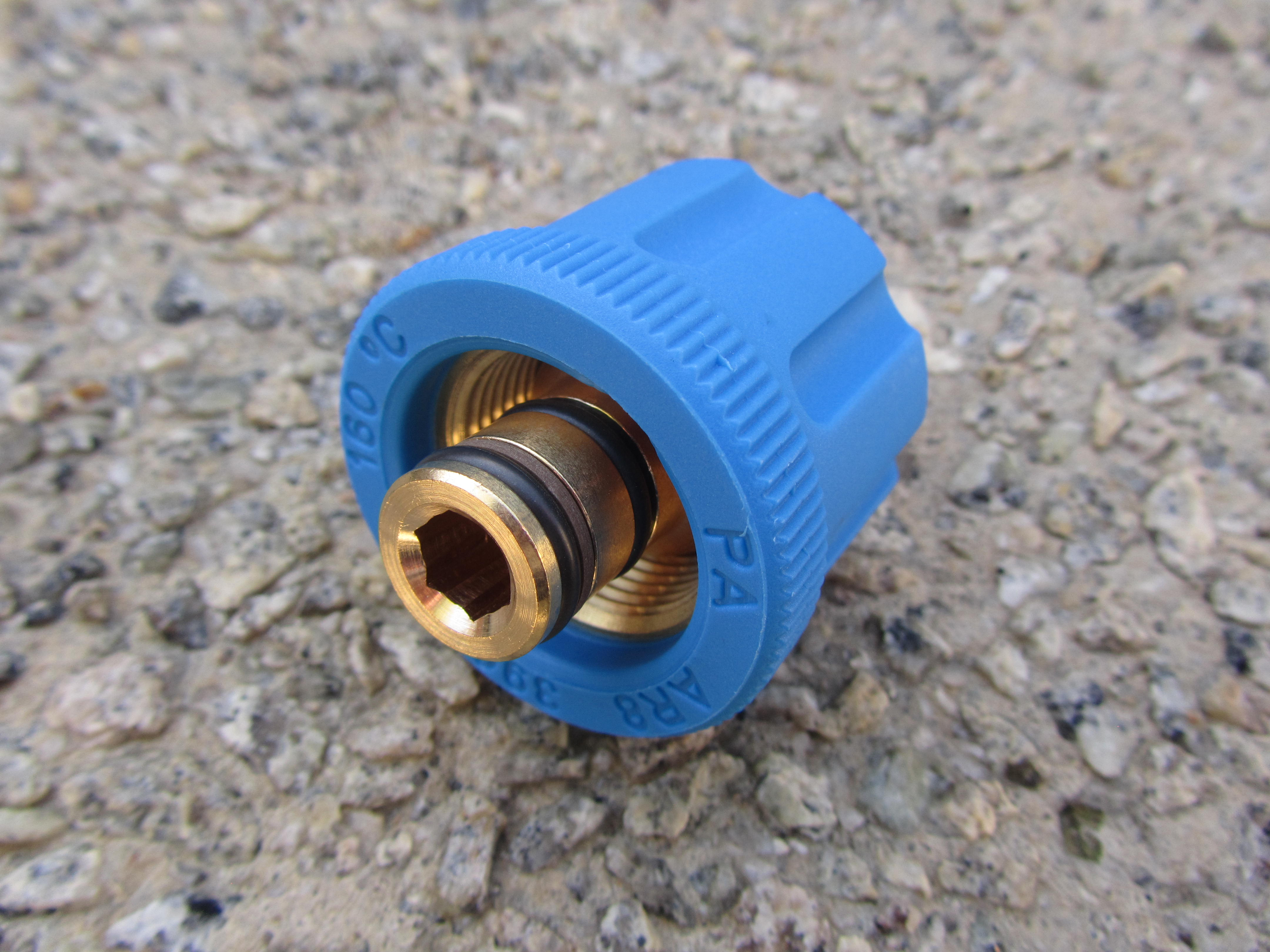 M24 F to 3|8 BSP M High Pressure Hose Fitting  | 5650psi Max | 30 L|Min | Blue