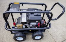 23hp Vanguard  Electric Start Engine with AR 5100psi Pump QK 2300 KRE | Image 2